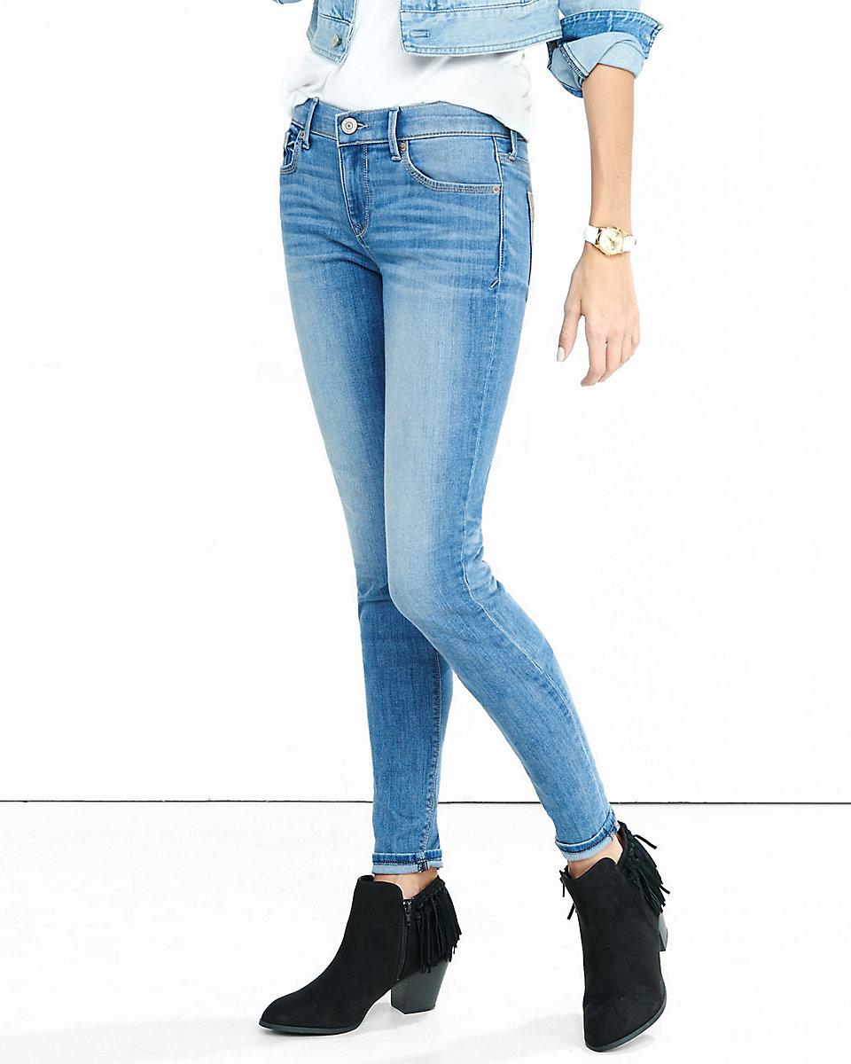 Grosir Distributor Celana Chanel 01 Harga Murah Bagus Berkualitas
